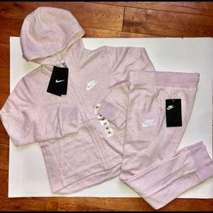 Girls 6X Nike Sweatsuit